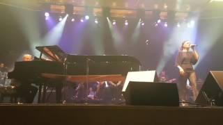 Tarık Sezer orkestrası ve Yıldız Tilbe Delikanlım - Yalnız Çiçek - Sana Değer