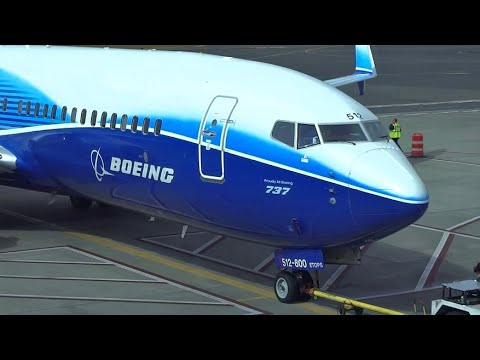 (HD) Many Specials! Terminal Plane Spotting - Portland Inter
