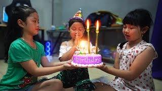 Gambar cover HAPPY BIRTHDAY BABY 6st & Birthday Party Funny by Xuxu Tv | Birthday songs