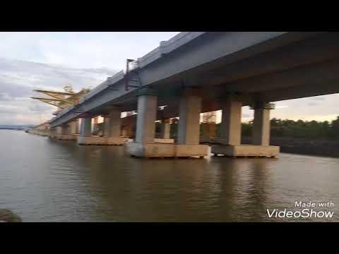 Mantap...!!!  Jembatan Temburong Brunei Darussalam mulai nampak