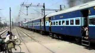 13483 Malda Town-Delhi Farakka Express