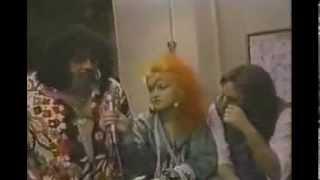 Cyndi Lauper, Lou Albano & Hulk Hogan WWE / WWF wrestling (1985)