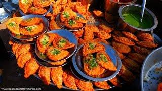 Ghughra Most Popular Gujarati Fast Food By Street Food & Travel TV India
