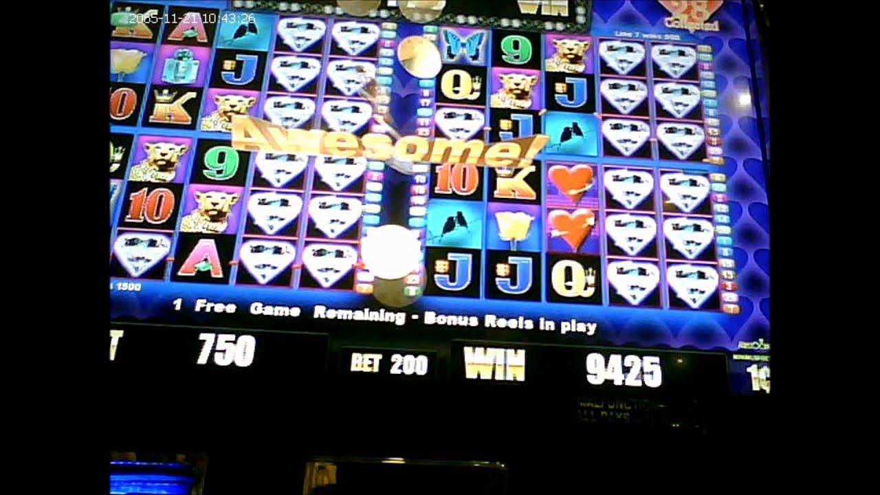 Игровой автомат More Hearts всем романтикам подарит много денежных сюрпризов.Собирайте алые сердца и активируйте все 4 барабана в бонусной игре! Зеленодольск