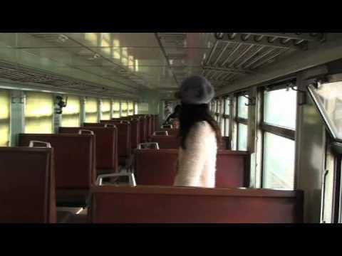 宮崎あおい アース CM スチル画像。CM動画を再生できます。