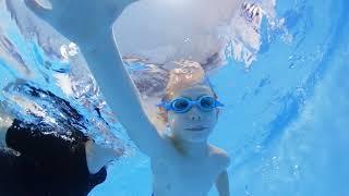 Грудничковое плавание в Новороссийске   Умею Плавать #05