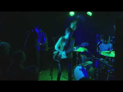Download Charly Bliss - Supermoon - Live Mp4 baru