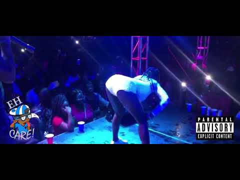 Freezy Performs Live In Guyana Once Again!!! [Bend de Banana + Split In De Middle]