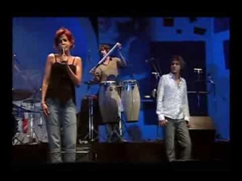 Bossacucanova feat Cris Delanno - Águas de Março