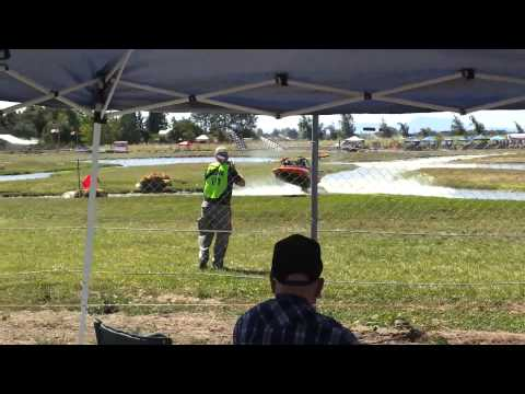 Sprint Jet Boat Crashes through fence into spectators in Albany Oregon