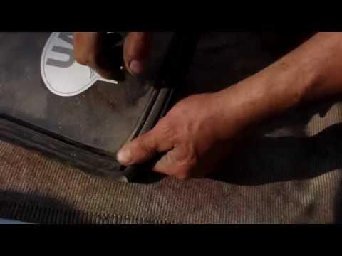 Cмотреть видео онлайн Установка заднего и лобового стекла ваз.Installing the rear windshield and vases.