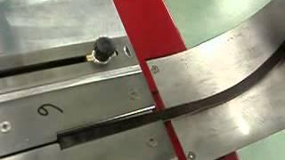 OMAC 850(Электронная щеточно-полировочная машина OMAC 850 используется для зачистки/полировки кромок ремней, ремешков..., 2012-10-29T18:05:25.000Z)