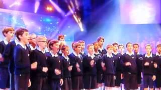 Les Petits chanteurs à la croix de bois chantent Noël