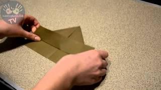 Как сделать кораблик из бумаги своими руками пошаговая инструкция для детей How to Make a Paper Boat(Простейшая пошаговая видео инструкция по сборке бумажного кораблика (оригами), 2015-01-25T22:28:44.000Z)