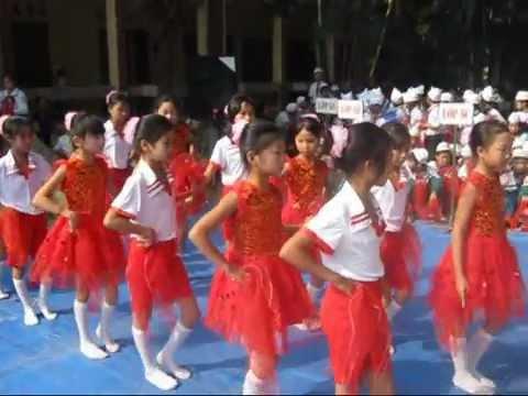 Bài múa Tháng năm học trò của lớp 5B - TH Hoàn Long - Yên Mỹ - Hưng Yên