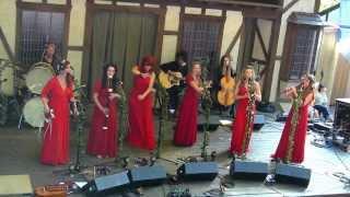 """The Mediæval Bæbes:""""Return of the Birds"""" / """"Ah Si Mon Moine"""", The Maryland Renaissance Festival 2013"""