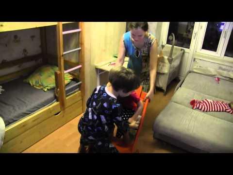 Тестирвание детского стульчика для кормления Stokke Tripp Trapp (безопасность)