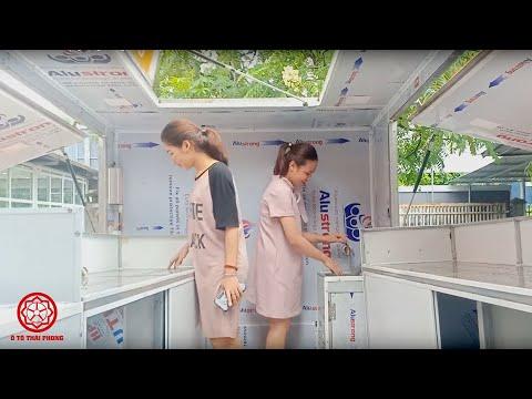 Xe bán trà sữa lưu động cùng 2 cô gái xinh đẹp!