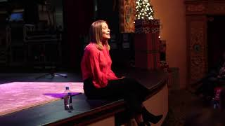 Watch Leann Rimes Have Yourself A Merry Little Christmas video