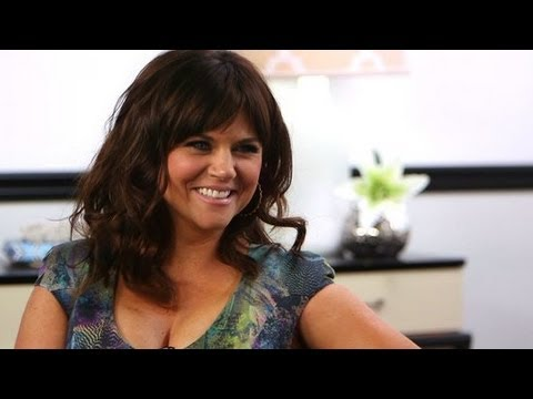 Tiffani Thiessen Shares Top Party Planning Tips and Talks White ...