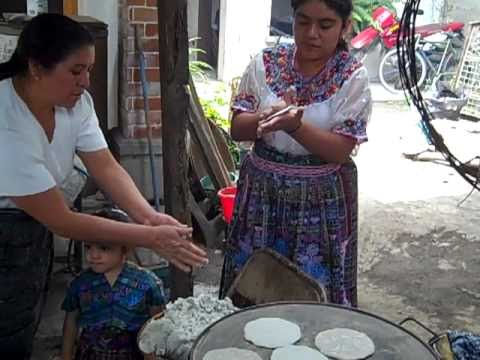 A Guatemalan Family Cooking Pepian & Making Tortillas