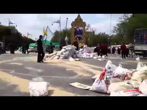 Thai riot police clear anti-government protest sites - Part 1