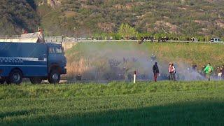 In Val Susa scontri tra No Tav e polizia. Manifestanti dispersi con idranti e lacrimogeni