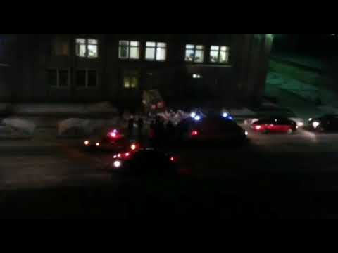 В Саяногорске (Хакасия) скорая врезалась в здание городского суда