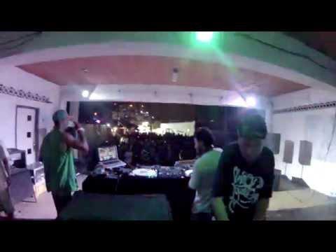 Baré e MouChoque com Trinere - Eu Amo Baile Funk (Tabajaras 08/11/15)