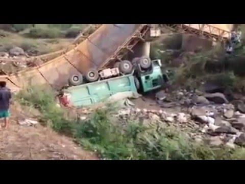 Cầu dân sinh sập như phim trường Holywood tại Eakar-ĐăkLăk