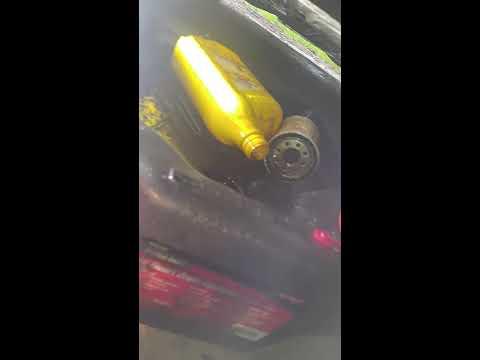 Oil change on a Honda Civic Hybrid