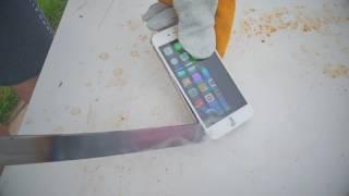 YouTuber Edukof queima IPHONE 6 com sua espada!! Assista 😱😨