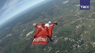 Вингсьют парашютист собирается побить четыре мировых рекорда