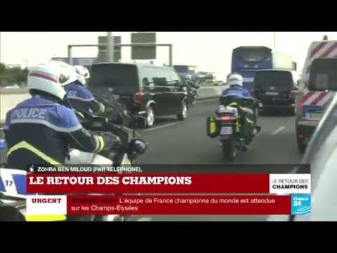 EN DIRECT : Le bus des Bleus se dirige vers les Champs-Elysées - Le retour des CHAMPIONS