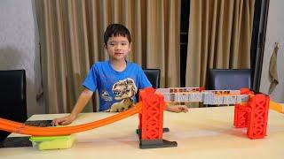 สกายเลอร์ | สร้างรางรถ Hot Wheels ยักษ์  ขนาดใหญ่คับบ้าน!!