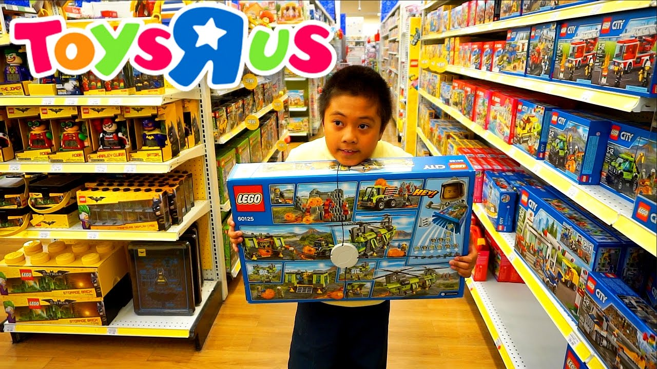 """TOYS""""R""""US SHOPPING FOR LEGO 