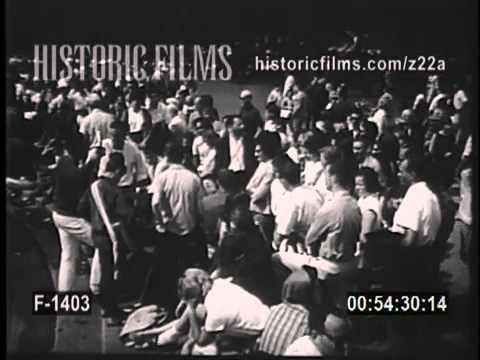 GREENWICH VILLAGE DURING THE BEAT-NIK ERA FOLKIES AND FOLK SINGERS 1961
