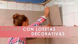 Gambar cover Revestir la pared de la cocina con losetas decorativas - Decogarden