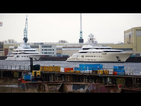 Yacht Pelorus and Quantum Blue