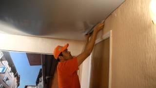 видео Натяжной потолок надувается