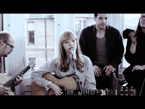 Lucy Rose - Shiver, Red Face, Middle of the Bed -  Tenement TV