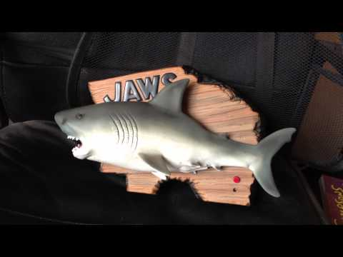 Jaws Singing Mack The Knife - Like Billy Bass