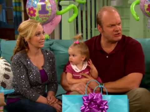 good luck charlie charlie is 1 episode sneak peek. Black Bedroom Furniture Sets. Home Design Ideas