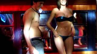 Repeat youtube video Jessica Alonso en Universo Discotheque.- Eventos Chiloe.-4