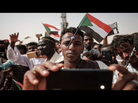 السودان: المجلس العسكري يحذر المتظاهرين من -أعمال التخريب- قبل المليونية  - 10:54-2019 / 7 / 1