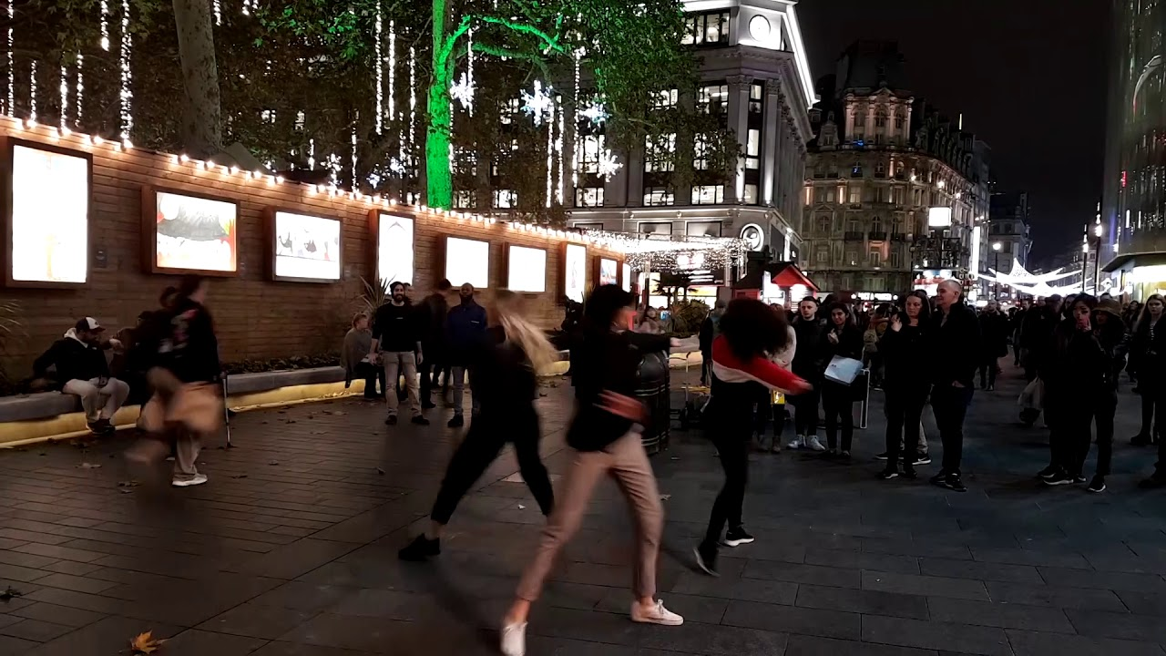 2e5c93c4dcede8 Leicester Square Flash Mob Wedding Proposal - YouTube