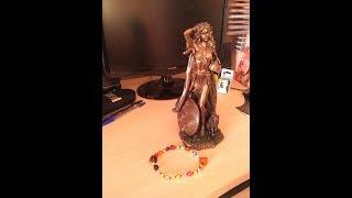 Молитва богине Фрейе на языческих чётках/Богиня Фрейя