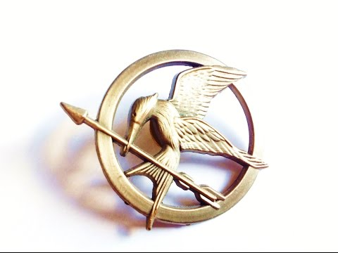 Lionsgate NECA The Hunger Games Mockingjay Pin review