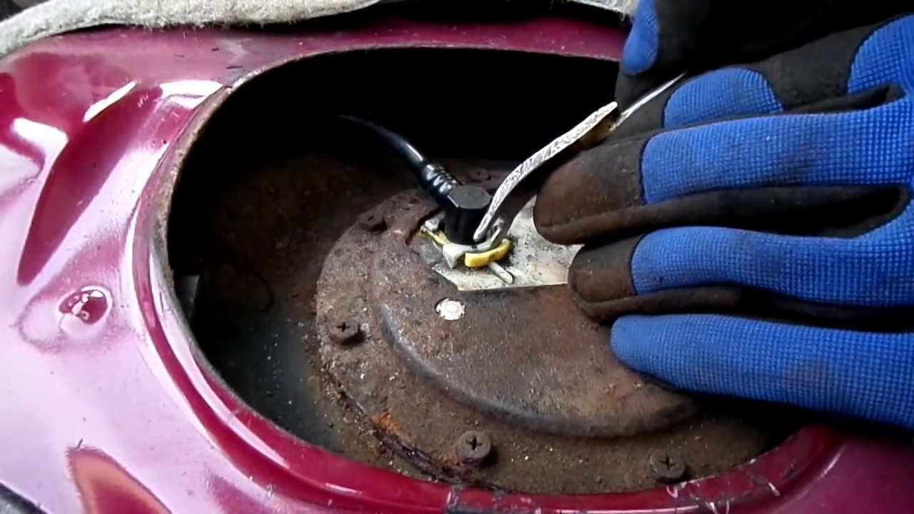 Toyota Corolla Fuel Pump Removal Sending Unit Testing Youtube 1996 Powerstroke Filter Housing