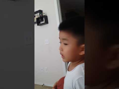 Daddy face when watching son tung mtp